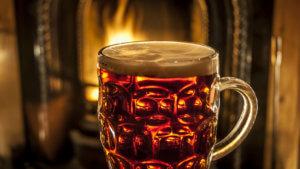 Польза теплого пива в сезон простуды