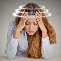 Головокружение при нормальном давлении: почему возникает и как избавиться от патологии