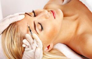 Косметологическая процедура мезотерапия для устранения пятен на коже