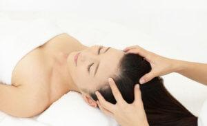 Активный массаж кожи головы для быстрого роста волос