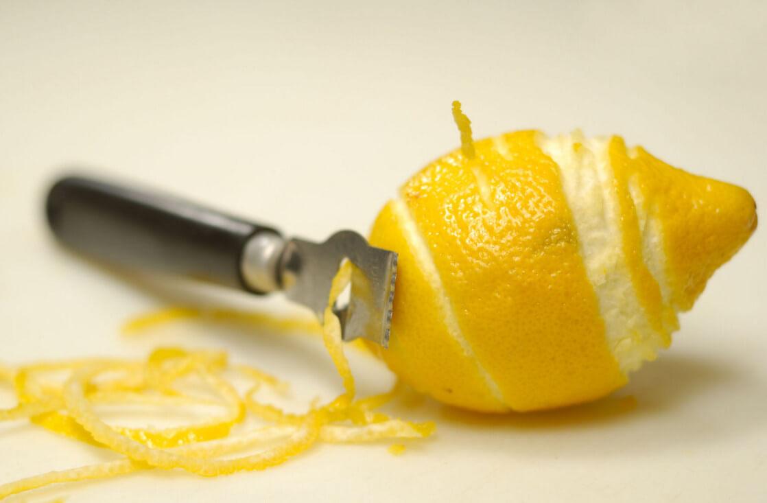 Цедра лимона: полезные свойства и вред