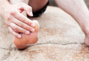 Предотвращение судорог в пальцах ног