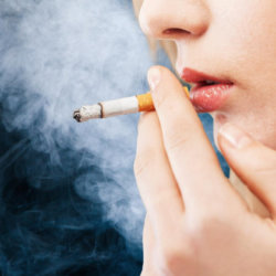 Икота при курении: почему она появляется и с чем связана