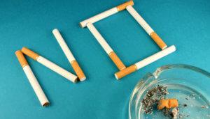 Помощь человеку от икоты после курения