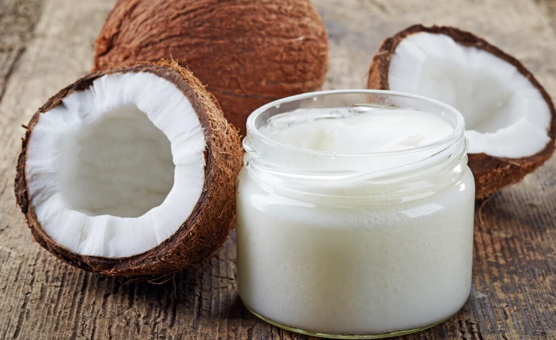 Как полезные свойства кокосового масла помогут похудеть, вернуть блеск волосам и разгладить кожу