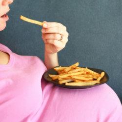 Что нельзя есть во время беременности: список разрешенной и нежелательной пищи