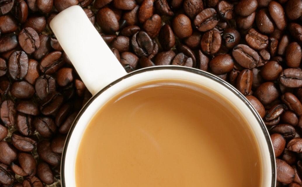 Сколько калорий в кофе с молоком и сахаром, польза кофе в период диеты