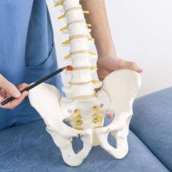 Как лечить межпозвоночную грыжу: операция и другие методы с описанием