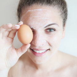 Маска для лица из белка яйца: разновидности, польза и вред компонента, подготовка кожи лица