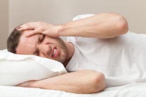 Боль в висках и головокружение при синдроме похмелья