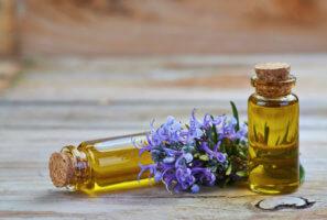 Эфирное масло розмарина для массажа