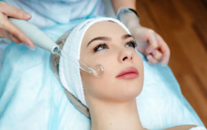 Процедура дарсонвализации в косметологии