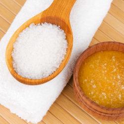 Маска для лица из меда и соли: быстрое преображение кожи