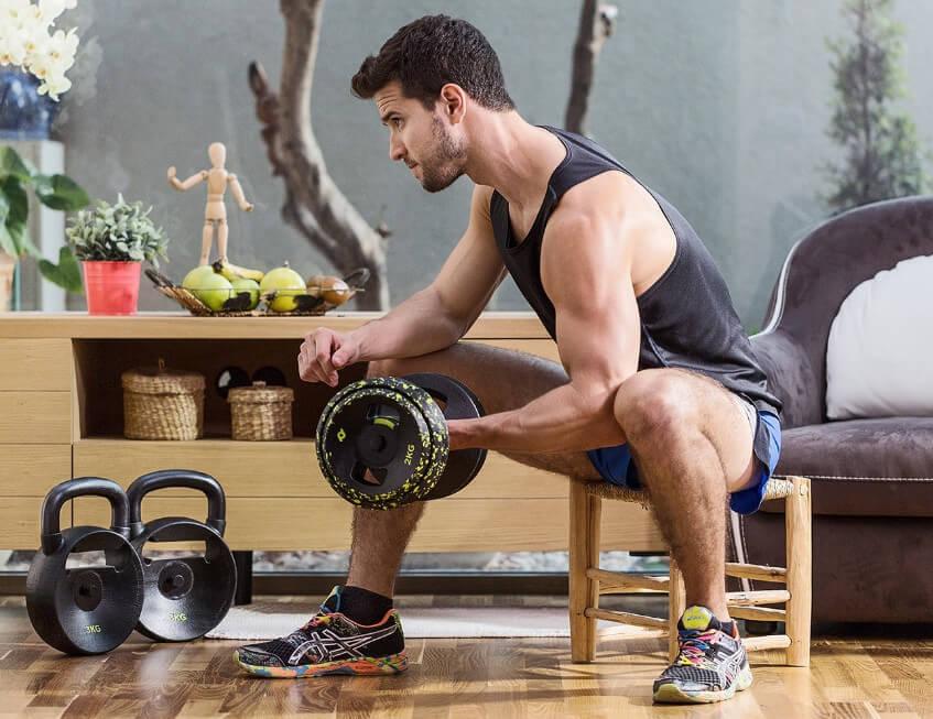 Упражнения с гирей на бицепс: подъемы и наклоны